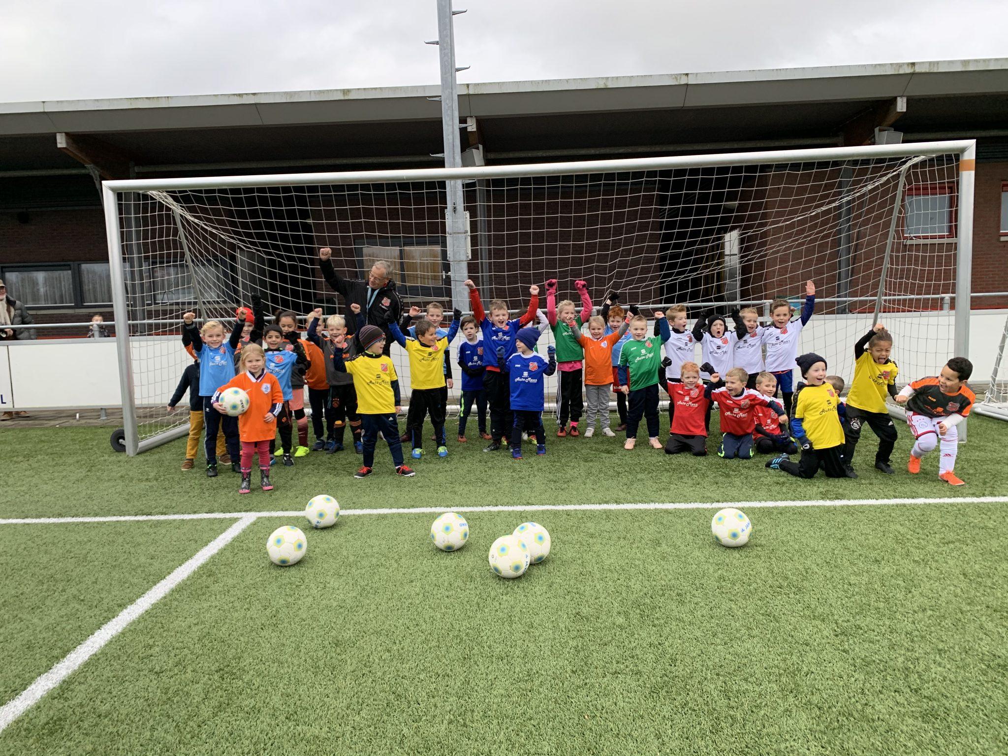 Aanmelden VoetbalClinic 5 mei (jongens/meisjes 5 tm 7 jaar)